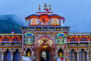Uttarakhand_Badrinath_The-holy-Badrinath-shrine-in-Uttarakhand - Copy