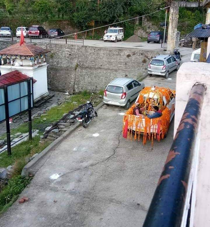Baba Kedar's 'doli' leaves for Kedarnath Dham
