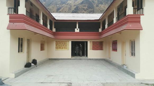 Hotel Bikaner House Kedarnath, Near Temple