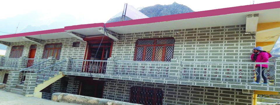 Hotel Narmada Bhawan Badrinath room near by temple