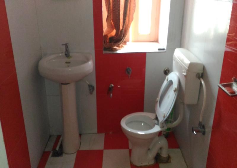 Hotel Punjab Sindh Awas Kedarnath washroom