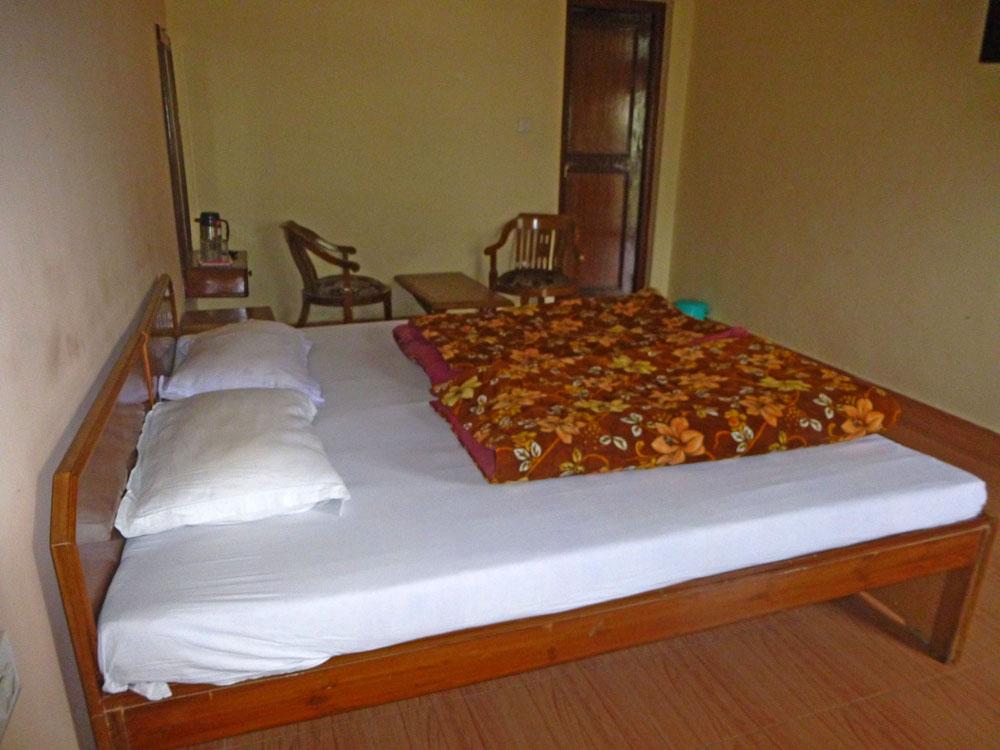 Mrityunjaya Palace Guptkashi room