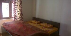 Vaikunth Dham Guest House Badrinath room