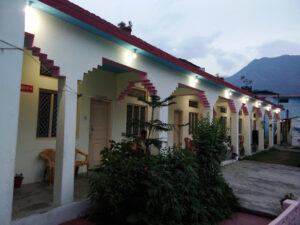 hotel the holy palace sitapur uttarakhand mobile no
